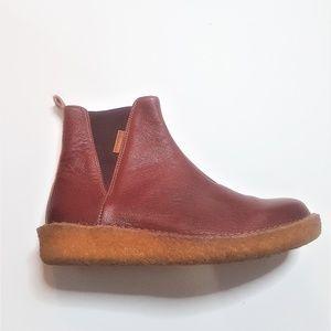 El Naturalista Chrome Free Chelsea Boots